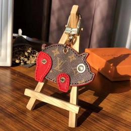 2018 neue luxus keychain schlüsselanhänger halter marke schwein schlüsselanhänger porte clef geschenk männer frauen souvenirs auto tasche anhänger schlüsselanhänger von Fabrikanten