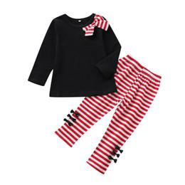 2019 pieza trajes pajarita Kids Girls Traje estampado Toddler Girls Sólido Pajarita Camisetas de manga larga Ropa de diseñador para niños Pantalones a rayas para bebés Conjunto de dos piezas 06 pieza trajes pajarita baratos