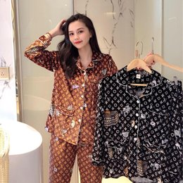 Завод прямые продажи в осенне-зимней Европе и большой бренд золотого бархат кардиган пижама L домов США могут носить за пределами Женска от Поставщики бикини взъерошенные