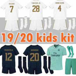 Pantalones de jersey para niños online-2019 Kids Kit camisetas de fútbol del Real Madrid PELIGRO BENZEMA 19 20 Camisetas de Real Boy Soccer Juego de niños, uniformes de fútbol personalizados + pantalones y calcetines
