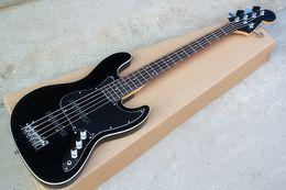 james hetfield гитарные струны Скидка Стандартная заводская черная 5-струнная электрическая бас-гитара с черным накладным элементом, тремоло, может быть настроена в соответствии с требованиями.