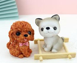 2019 carruseles de juguete objetos decorativos arte de la resina decoración de la mesa del partido piña creativa moderna librero ahorro de olla perro de la casa de cumpleaños