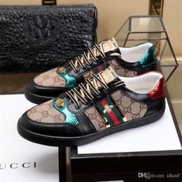 1273b50fa1 Sapatos de marca de luxo Glitter Web sapatilha com tachas stripe com top  quality casual calçados sapatos de designers para as mulheres tamanho 38-44