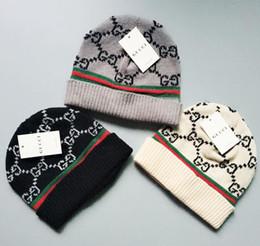 Cappelli cowboy americani online-2019 Nuovi cappelli di lana moda europea e americana di moda, cappelli per il tempo libero all'aperto per uomo e donna a maglia calda autunno e inverno