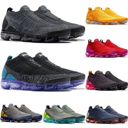 c84a2f92b1d voler noir Promotion 2018 Designer Shoes Moc 2.0 Laceless Hommes Chaussures  De Course Triple Black White