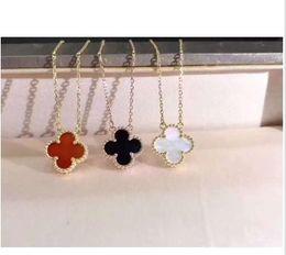 einfache goldblumenanhänger Rabatt Einzelne Blume Halskette Japan und Südkorea einfach zwei Farbe Diamant-Anhänger Schlüsselbein Kette Damen-Pullover Kette