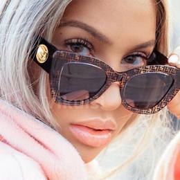 vintage herz geformte sonnenbrille großhandel Rabatt Unisex Markendesigner Quadrat Sonnenbrille Frauen Männer Vintage Luxus Cat Eye Sonnenbrille Für Weiblich Männlich Italien Shades Uv400 2019 New