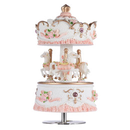 Argentina Laxury Windup 3-horse Carrusel Music Box Creative Artware / Gift Melody Castle Birthday Gift Carrusel Music Box placer US Stock Suministro