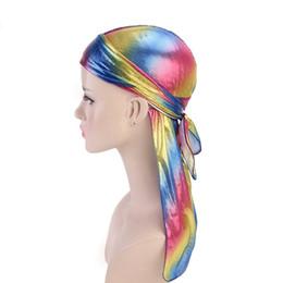 Männer hip hop turban online-Laser-Piraten-Hüte Imitation Silk Long Tail Caps Kopfbedeckung Mode für Männer Frauen Satin Bandana Turbane Perücken Hip Hop Cape Hut GGA2939