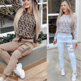 2020 conception de la chemise de pantalon Femmes Design 2 pièces Ensemble Jogger Survêtement à capuche broderie Leggings Tenues Sweat-shirt Collants de sport moulante Pant conception de la chemise de pantalon pas cher