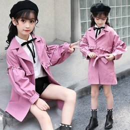 Jaqueta rosa de outono meninas on-line-Brasão Casacos roupas cor de rosa Primavera Jacket menina coreana Estilo Crianças Princesa Pérola Windbreaker Children Autumn Longo Trench