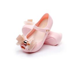 Lindas sandalias negras online-Toddle Little Girl Sandalias Negro Rojo Rosa Color Bow-not Jelly Soft Mini Zapatos antideslizantes Kids Toddler Beach Lindas sandalias con hebilla