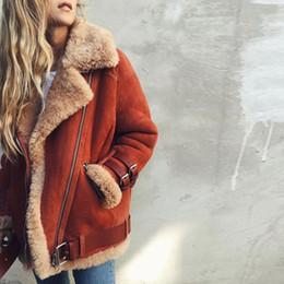 2019 disfraces masculinos de fantasia Invierno abrigo de gamuza de cuero de imitación mujeres de la piel de la chaqueta más el tamaño 5XL espesa caliente de la manera caliente de la cremallera de la motocicleta chaquetas casual OvercoatMX190929