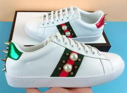 Sapatos 34 on-line-Novo melhor qualidade designer de sapatos homem tigre abelha pérola azul listras vermelhas afligido sapatos de luxo real lona moda ace sneaker para mulheres 34-46