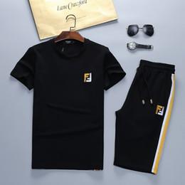 19 Nuevo traje deportivo de verano luxuryt men ocio deportivo traje hombres casual ropa deportiva conjuntos hombre chándales traje masculino desde fabricantes