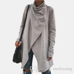 frauen schwarze farbe jacken Rabatt Neue Frauen-Damen-Frühling Herbst Normallack lose langärmelige unregelmäßige gefaltete Jacke weiße und schwarze Farben