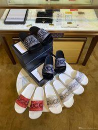 Pantofole di qualità online-Top quality Con Box 2019 Scivoli Estate Designer di lusso Spiaggia coperta G Sandali piatti Pantofole Infradito con sandalo Spike fortuna