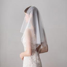 Rete del gomito del velo online-Veli da sposa di alta qualità con perle taglio bordo gomito lunghezza due strati tulle reticolato bianco elegante Hotselling veli da sposa da sposa DB-V614