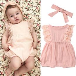 Bonitas cintas para la cabeza online-Pretty Summer Newborn Kid Baby Girl Outfits Lace Ruffle Sleeve Romper Solid Jumpsuit Bow Headband 2 Unids Baby Girl Sets 0-24 M