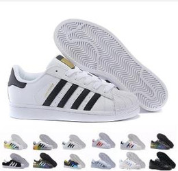 2020 Livraison gratuite Superstar Blanc Noir Rose or bleu Superstars 80 Fierté Sneakers Super Star Femmes Hommes Sport Chaussures Casual UE SZ36 45