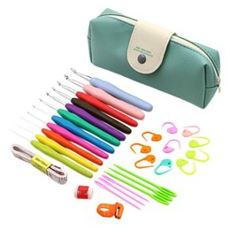 bolsa de asa de goma Rebajas 31 PCS TPR Crochet Hooks Set con bolsa de almacenamiento Soft Rubber Needle Hooks Soft Handle Knitting Household Sewing Supplies