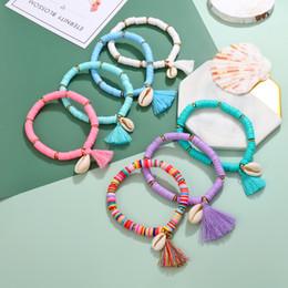 2019 bracciale di seashell diy MINHIN Bracciale con ciondoli a conchiglia di nappa colorata per donna Bracciale con perline di gomma Gioielli fatti a mano da spiaggia estiva conchiglia a mano sconti bracciale di seashell diy