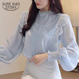 Blusa blanca de encaje de cuello online-Blusas Mujer De Moda 2018 Camisa de blusa de gasa de encaje hueco blanco Blusas y blusas de manga larga Camisa de mujer Ropa 1448 45MX190824
