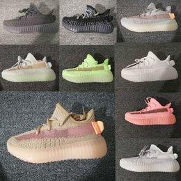 Zapatos deportivos brillan online-Infant Adidas Yeezy Boost 350 v2 Clay Toddler v2 Kids Zapatillas de running Kanye West Static Glow In The Dark chaussure de sport pour enfant boys girls Casual Entrenadores