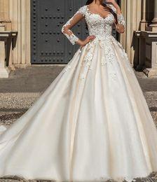 elfenbein farbe nacktes kleid Rabatt Hochzeitskleid Weiß Elfenbein Farbe Applique Spitze Brautkleid Langarm Kathedrale Zug Trailing Braut Party Hochzeit Vestido De Novia
