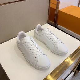 Mejores zapatos para correr online-2019 nuevos hombres de la llegada de la primavera y el otoño de cuero genuino mejor calidad de bajo superior plana de encaje hasta zapatos para correr deporte tamaño 38-44
