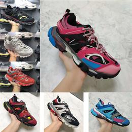 2019 chaussures plates à bout carré 2019 nouvelles chaussures de marque Track Paris Triple S 3.0 blanc et noir multicolore gris orange chaussures de sport plates 35-45 chaussures plates à bout carré pas cher