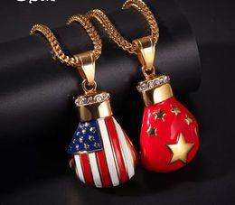 guantone china Sconti Guantoni da pugilato bandiera Pendente in acciaio inox appeso per bandiera americana della Cina Nuovi gioielli di collana di moda zircone microincollati hip-hop