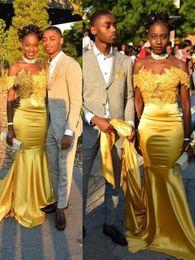 2019 lunghi vestiti di seta per le ragazze Off The Spalle Prom Dresses Per Black Girls Yellow Mermaid Lace Elegante 2018 raso di seta lungo abiti da sera formale economici Vestios Festa sconti lunghi vestiti di seta per le ragazze
