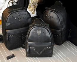 Панк-стиль черный заклепки рюкзак мода Мужчины Женщины дешевые рюкзак м стильный сумка Марка дизайнер сумка высокого класса PU мешок школы от
