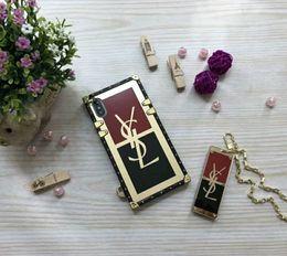 Custodia per telefono popolare di lusso per iPhoneX XS XR XSMAX iphoneX iPhone7 / 8Plus iPhone7 / 8 iPhone6 / 6sP 6 / 6s Custodia per telefono di design con portachiavi da bordatura in plastica nera fornitori