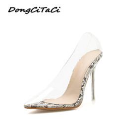 3dd2c0cd6 DongCiTaCi Mulheres Saltos Altos Bombas Sapatos Claros Mulher Cristal  Vestido de Salto Fino Transparente Partido Sapato Estampa de Cobra Sandálias  Estiletes