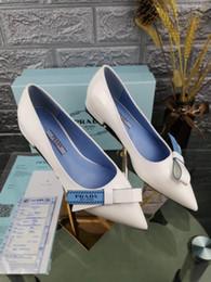 модная обувь Скидка Новый итальянский бренд женское платье на плоской подошве остроконечное кожаное модное платье женская повседневная обувь бесплатная доставка 35-40 размер 1257