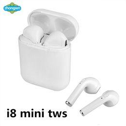 Mini auricular magnético online-i8 Mini TWS Auriculares magnéticos de auriculares Bluetooth estéreo para auriculares inalámbricos con caja de carga Mic para teléfono no Airpods