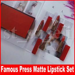 Palitos de lábios vermelhos on-line-Famosos 4 em 1 Batom Lip matte Batom tubo Vermelho Pressione batom matte batom lipkit