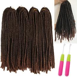 2019 trenzas temibles suaves Lucky Queen 18-26 pulgadas Soft Dreadlocks Crochet Braids Jumbo Dread Hair style Ombre Color Synthetic Faux Locs Extensiones de cabello trenzado trenzas temibles suaves baratos