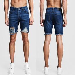 2019 más el tamaño de pantalones cortos de jean azul Pantalones vaqueros rasgados de talla grande Pantalones vaqueros casuales para hombres Pantalones rectos Hombres Rodilla corta Homme Blue Jeans Pantalones delgados de moda más el tamaño de pantalones cortos de jean azul baratos