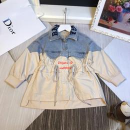 Mädchen jeans design online-2019 neue Mädchen Windjacke Kinder Designer Bekleidung Herbst neue Taille Design Windjacke Mantel Jeans Nähte Design Stickerei Jacke