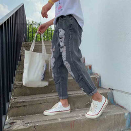 2019 рваные джинсы корейские мужчины wholesale 2019 Autumn winter new mens ripped hole streetwear denim pants youth teenagers boys trousers handsome Korean jeans men скидка рваные джинсы корейские мужчины