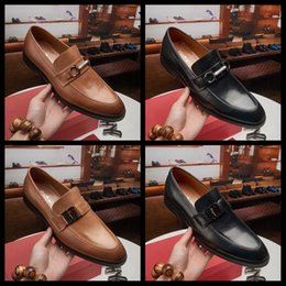 19SS 2019 italienische Oxford Schuhe für Männer Designer formale Mensschuhe Leder schwarz Luxus Parteihochzeitsschuhe Männer kleiden sapato sozialen