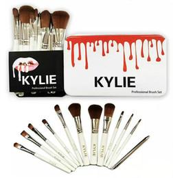 kits de maquillaje profesional Rebajas 2019 Kylie Makeup Brush 12 piezas de maquillaje profesional Kit de cepillos + Caja de hierro DHL Envío Gratis