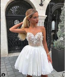 Abiti da cocktail corti in chiffon bianco Scuola Prom con applique in pizzo Mini abiti sexy dolce 16 Abiti da festa Abiti da ritorno a casa da