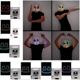 Градуировочный реквизит онлайн-Led Light Marshmello маска Косплей Dj Music Маски Disco Bar Party Реквизит Halloween Cosplay водить Световая Full Head Helmet 8Styles HH9-2325