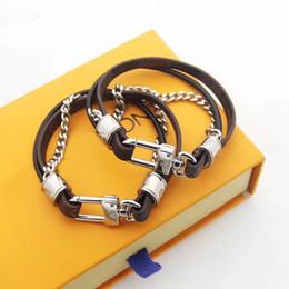 Doubles cordes en Ligne-Marque de mode nommée Bracelets Lady Double Deck Prints Fleur / Bracelet en Cuir Cordon Bracelet avec Bracelet en Métal Accessoires en Métal