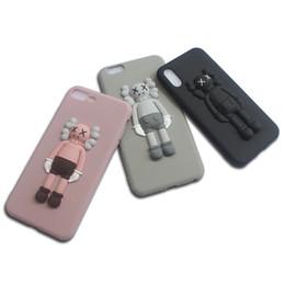 Per iPhone 11 Por Max Xs Max Xr X 6 7 8 6S Caso Inoltre giocattolo copertura Kaws fumetto 3D silicone molle di gomma sveglia da