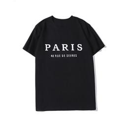2019 i compleanni di giugno Designer camicia da uomo di lusso 20ss Coppie marca famosa delle donne degli uomini Pullover maglietta casuale Nero Bianco progettista delle camice formato S-XXL